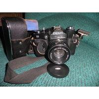 Фотоаппарат Зенит-11 с объективом Гелиос 44м4.