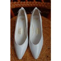 Туфли белые Франция марк 35 натуральная кожа Мода 90-х
