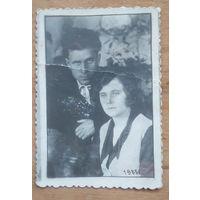 Фото мужчины и женщины. 1933 г. 5.5х8 см.