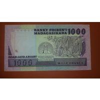 Банкнота 1000 ариари Мадагаскар 1983-1987