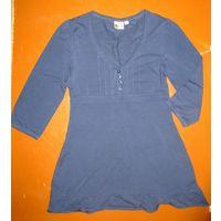 Платье Blue motion, 42-44 размер S, рост лучше до 164, в состоянии близком к новому, трикотажное 95% хлопок, 5% эластан, сзади завязывается пояс. Обмеры: ширина между плечами 36 см, между подмышками 4