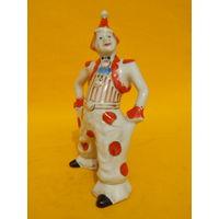 Клоун, МФФЗ, отбит помпон на шапке.