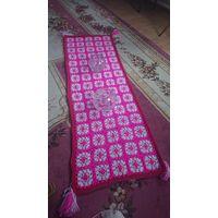 Розовая прямоугольная салфетка ручной работы