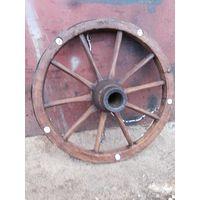 Люстра из старинного колеса для телеги
