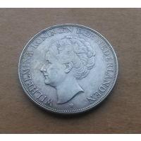 Нидерланды, 2,5 гульдена 1930 г., серебро, Вильгельмина (1890-1948)