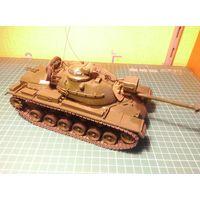 Модель танка M48A3, собранная и окрашенная, масштаб 1/35.
