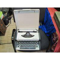 Печатная, пишущая машинка Unis.