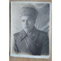 Фото солдата в зимнем обмундировании. 1950-е. 5.5х8 см