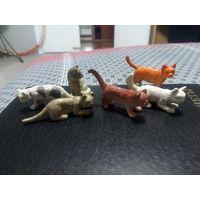 Фигурки кошек 6 штук. Цена за всё.