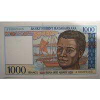 Мадагаскар 1000 франков 1994 г.
