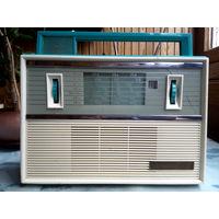 Радиоприемник VEF-Spidola 10 бирюзового цвета