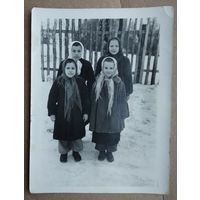 Фото девочек 1950-е. 9х12 см