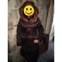 Пальто зимнее с капюшоном коричневое