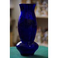 Ваза , синее стекло ( целая ) 22 см