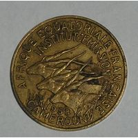 Франц. Камерун 10 Фр. 1958 (6)
