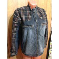 Джинсовая куртка с бархатными вставочками.