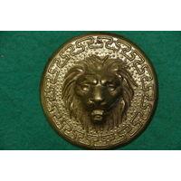 Панно Лев  , латунь  10 см