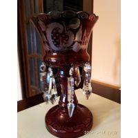 Старая настольная декоративная ваза из Красного стекла с хрустальными подвесками ЧССР.