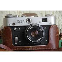 Фотоаппарат ФЭД 3   ( шторки срабатывают на всех выдержках )