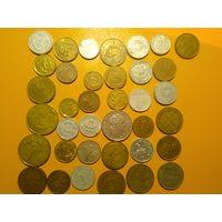 37 монет