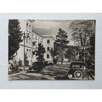 Автомобили улица Берия 1952