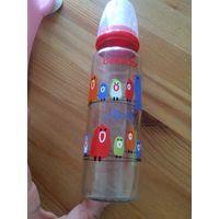 Бутылочка Bebedor 250 мл, стекло. Пару раз б/у, огромное количество бутылочек, продаю лишнее. Состояние отличное, рисунок не стерт. Приятная цена.