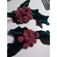 Новогоднее украшение заколка омела