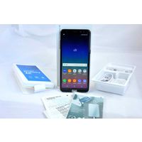 Смартфон Samsung Galaxy A8 (2018) SM-A530F/DS 32GB (АБСОЛЮТНО НОВЫЙ)