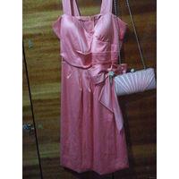 Платье вечернее розовое  42 р. без сумочки