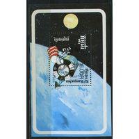 Кампучия 1988г, космос, 1 блок