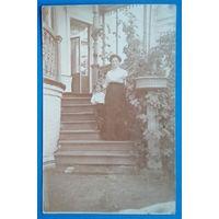 Фото женщины с ребенком. 1916 г. 9х14 см.