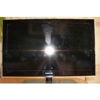 Телевизор Samsung LE32C530F1 с дефектами на панели