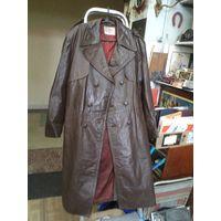 Старый кожаный олимпийский американский плащ, размер 48/3-4.