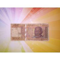 Мадагаскар 10000франков 1995г.