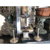 Старинное Распятие Изображение Остробрамской Божьей Матери и два подсвечника цена за все