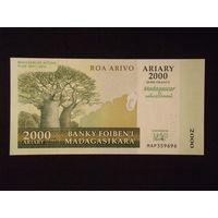 Мадагаскар, 2000 ариари 2012 год. UNC