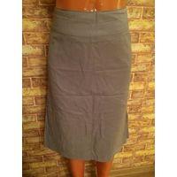 Красивая юбка на 48-50 размер. Серого цвета. ПОталии 41 см, длина 61 см, бедра 49 см. Отличное состояние.