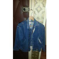 Женская джинсовая куртка.46 размер. Фирма VOILA.