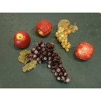 Предмет интерьера - фрукты и ягоды декоративные из полимерного материала 5 штук Германия.