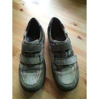 Фирменные немецкие ботинки на 43-44 размер (размер указан 7,5, по стельке 28,5 см). Полностью натуральная кожа. Очень удобные ботинки. Покупали в Германии. Носили сезон.