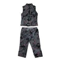 Летний хлопковый костюмчик фирмы Elema – бриджи и жилетка, размер 42, очень качественный пошив, 96% хлопок, 4% эластан, практически новый, одет 1 раз, на бриджах 2 больших кармана