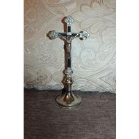 Крест католический, металлический, высота 25 см.