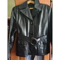 Женский кожаный пиджак (кожаная куртка)