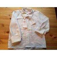 Белая блуза на рост 128 см, впереди завязывается на бант, либо как галстук. Длина 48 см, ПОгруди до 39 см, длина рукава нет смысла мерять, так как рукав заказывается. Состояние б/у вещи, конечно уже н