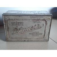 Жестяная коробка из под кондитерских изделий конец 19, начало 20 вв.