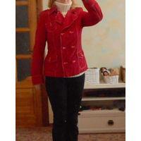 Качественная одежда в подарок к купленной одежде . Куртка красная на подкладке Your Line  р-р 46