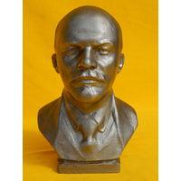 Ленин, высота 18см.