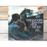 Bert Kaempfert and his orchestra - Strangers in the night - Polydor, Germany