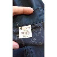 Брюки школьные под джинс 28размер длина-93 внутренний шов-67 пот-36см