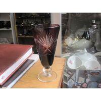 Рюмка, марганцевое стекло, 10,5 см.